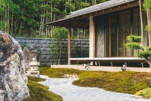 Gartenhaus auf Pfählen gebaut