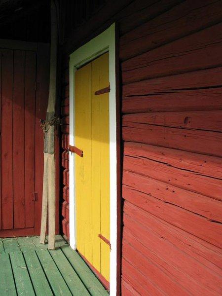 Gerätehaus mit überdachter Terrasse
